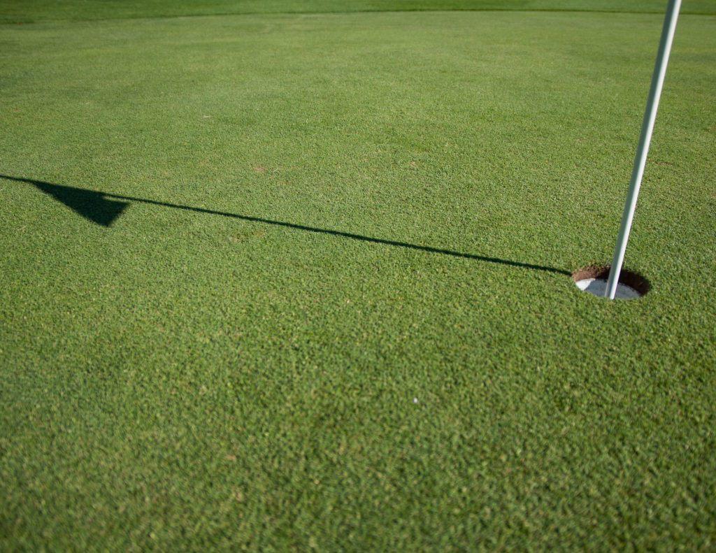 Giocare a Golf vicino casa in Toscana - Immobiliare Marina Salivoli